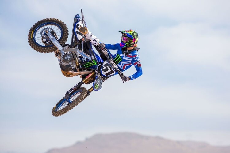 Justin Barcia showing some air tricks